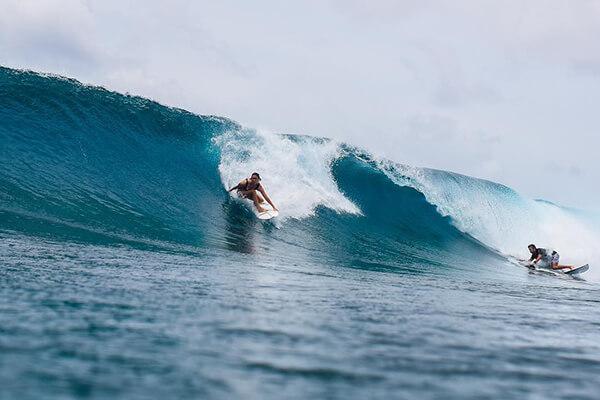 Sara Tay Shredding Maldives